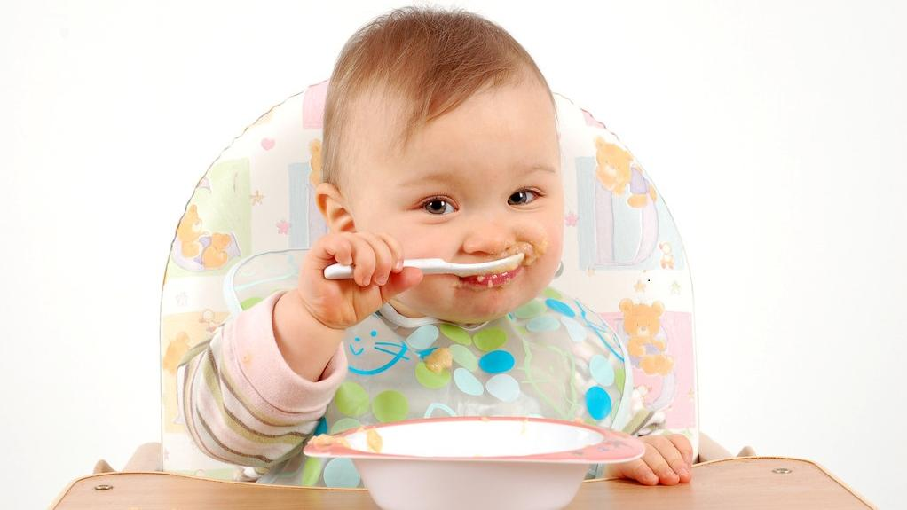Right Time for Weaning Foods for Indian Babies